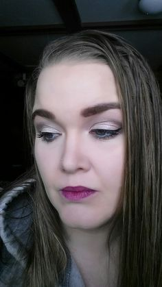 Palette 3 Lids : Smitten  Crease : Ecstatic  Highlighter : Tickled  Liner : black liquid  New 3D Fiber Lash Mascara  Lips : Serendipitous  Face : Organza liquid & press powder  Contouring with Beachfront Bronzer in sunset  Highlight with scarlet concealer  Sweet blusher