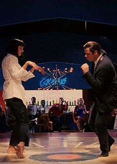 Mia Wallace (Uma Thurman) and Vincent Vega (John Travolta) - Pulp Fiction Quentin Tarantino, Tarantino Films, Mia Wallace, Great Films, Good Movies, Love Movie, I Movie, Image Cinema, Art Pulp