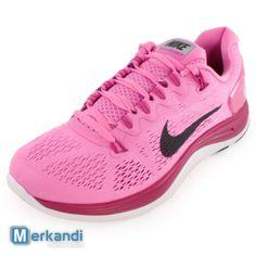 Stock Nike running shoes / Price: 16 EUR / Minimum order: 200 / Quantity: 1700 Estonia  http://merkandi.gr/offer/nike-running-shoes/id,65320/