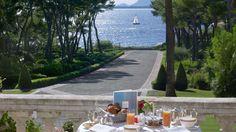 Restaurant Eden-Roc, Cap D'Antibes #France #France_Hotels #Europe #Europe_Hotels #DirectRooms http://directrooms.com/france/hotels/antibes-hotels/price1.htm