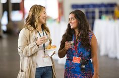 21 Non-Awkward Ways to Start a Networking Conversation With Anyone