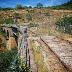 Poco queda para que levanten las vías. #rutadelaplata #ffcExtremadura