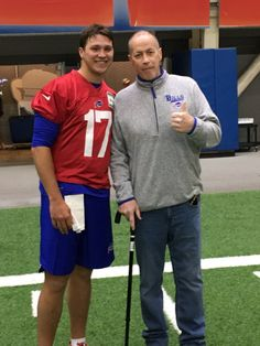 New 2018 draft QB Josh Allen with Jim Kelly Buffalo Bills Football, Nfl Football, Josh Allen Buffalo Bills, Buffalo Bills Apparel, Jim Kelly, Football Pictures, Nfl Fans, Shit Happens, My Style