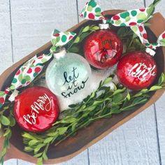 DIY Salvaged Junk Projects 405 Mason Jar Christmas Gifts, Handmade Christmas Gifts, Diy Christmas Ornaments, Homemade Christmas, Christmas Crafts, Christmas Decorations, Christmas Ideas, Glitter Ornaments, Holiday Decorating