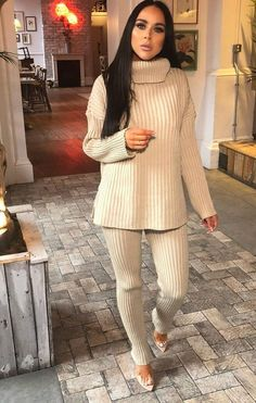 Be comfy and stylish in the Stone Oversized Turtle Neck Jumper Co-Ord. Be a casj queen with this oversized turtle neck jumper and matching fitted bottoms. Team with your comfiest trainers. Co Ords Outfits, High Neck Jumper, Fall Outfits, Fashion Outfits, Indian Designer Outfits, Mode Hijab, Couture Fashion, Dress To Impress, Lounge Wear