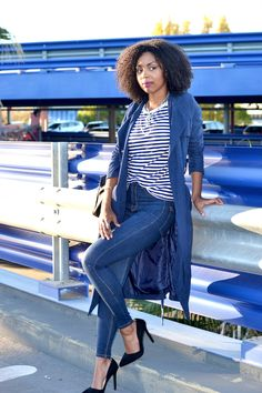 Blue strips coat and jean Lirons D'elle blog Vanessa #Blogueuse afro #blogueuse #france #natural hair #team natural #mode #look #basic #simple #look #mode#trend#kinky #curly #hair #wash and go #kinky coily #hair #4a #4b #teamnaturalfr