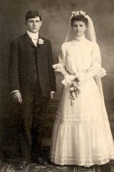 HistoryLink.org- the Free Online Encyclopedia of Washington State History, Joseph and Mary Pfister, Wisconson, 1905,