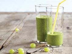 Going Green Smoothie is a refreshing combination of green grapes, spinach, pineapple and banana.
