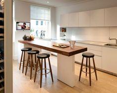 キッチン Luxury Apartment in Queen's Gate 壁付けレイアウト - アイランド1 トーヨーキッチン インテリア実例