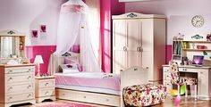 A Typical Look Of A Teenage Bedroom  Well Decoration