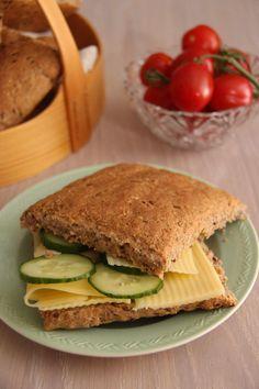 Rundstykker til matpakken - My Little Kitchen Norwegian Food, Side Dishes, Sandwiches, Kitchens, Food And Drink, Dinner, Eat, Norway, Cakes