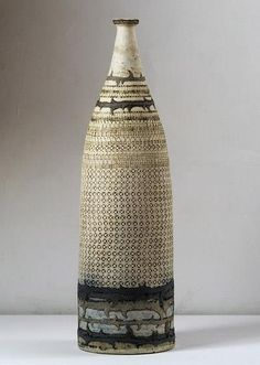 Romas Mekiška #ceramics#pottery : http://stirringupthemeltingpot.tumblr.com/post/41374757453/larameeee-vessel-romas#
