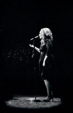 Adele Music, Her Music, Adele Adkins, Pop Rocks, Gossip Girl, Female Singers, Concert, Live, Artist