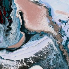 @pauljunoart Marbled rose quartz and serenity blue, colors of the year.