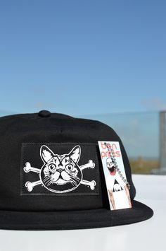 Cat Crossbones Snapback! Black Snapback f1885ff4e782