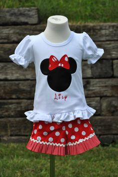 Thank you for visiting Hoot n Hollar Childrens Clothing!    You are viewing our BOW MOUSE HEAD inspired outfit. The outfit consists of a