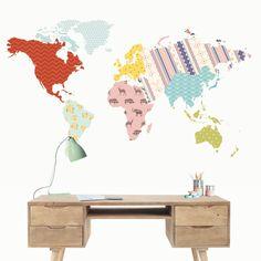 Vinilo decorativo Mapamundi Patchwork.   Un vinilo decorativo mapamundi diferente que elevará la decoración de las paredes de tu estudio.  DISFRÚTALO EN NUESTRA WEB: http://dolcevinilo.es/mapamundi-patchwork