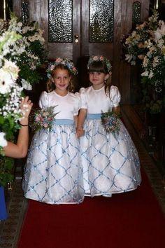 Mother of the Bride - Dicas de Casamento para Noivas - Por Cristina Nudelman: Daminhas de Honra cabelos e vestidos http://www.motherofthebride.com.br/2013/07/daminhas-de-honra-cabelos-e-vestidos.html#.UfgwYKWI1Qo