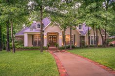Front Yard Curb Appeal – 5 Easy Ways To Make Your Yard Stand Out - front yard landscaping simple Front Walkway Landscaping, Landscaping Ideas, Walkway Ideas, Backyard Landscaping, Front Yard Design, Selling Real Estate, Interior Photography, Garden Paths, Lightroom Presets