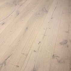 43€/m²    Eiche Landhausdiele rustikal sortiert / dunkel gespachtelt / 1860 x 189 x 14 mm (Weiß geölt)