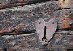 Dettaglio serratura, Chianale #church #castle #museum #piemonte #italy #provinciadicuneo