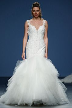 Justin Alexander 2016 Bridal Kollektion Barcelona Bridal Fashion Week  http://www.hochzeitswahn.de/inspirationsideen/justin-alexander-2016-bridal-kollektion/ #weddingdress #fashion #style