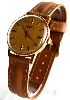 Herren Vergoldete Armbanduhr RAKETA, Sammlerstück #herrenuhren #armbanduhr #gold #geschenk ihn #raketa #geschichte #sammlerstück #luxus #hipster #elegant #vintage #unisex #antike uhr #ussr #fathersday
