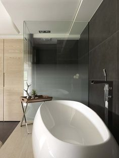 ♣ Luxury HOME Design ♣ ♦dAǸ†㉫♦stylish private residence taiwan 4 Bathroom Sets, Small Bathroom, Modern Bathroom, Bathroom Black, Minimalist Bathroom, Bathroom Inspiration, Interior Design Inspiration, Tub Faucet, Deco Design
