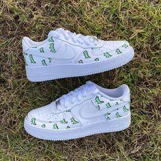 Cute Nike Shoes, Cute Nikes, Cute Sneakers, Jordan Shoes Girls, Girls Shoes, Shoes Women, Souliers Nike, Swag Shoes, Shoes Jordans