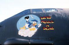 B 52 nose-art