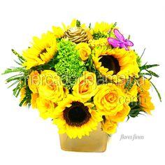 arreglo-floral-con-rosas-y-girasoles
