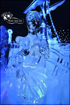 woman @ Ice Sculpture festival Bruges (Belgium)