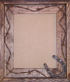 Handmade Wood Frame with Horseshoe and Barb Wire. Cowboy or Lodge Style Western Picture Frame. Western Picture Frames, Picture Frame Crafts, Barn Wood Picture Frames, Western Photo, Rustic Frames, Antique Frames, Distressed Frames, Diy Wood Projects, Wood Crafts