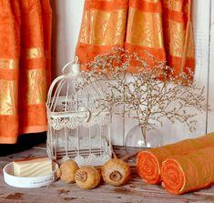 Bambusový uterák tehlový je nielen dokonalým výrobkom každodennej potreby, ale aj krásny doplnok kúpeľne. Je vyrobený z kvalitných bambusových vlákien s malou prímesou bavlnených vlákien. Bamboo