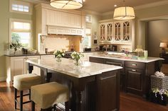 Room Gallery - Medallion Cabinetry Ellison maple White Chocolate; island is cherry Onyx