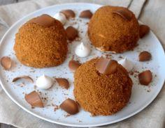 Le merveilleux est un petit gâteau originaire de Belgique, également pâtisserie du Nord de la France.Le gâteau belge est composé de deux meringues aérées soudéesLire la suite Paris Brest, Crunch, Culture, Tiramisu, Dessert Recipes, Food And Drink, Pudding, Cookies, Breakfast