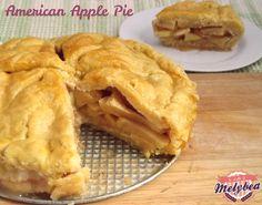 Le frittelle di mele sono un dolce irresistibile, perfetto da gustare durante le feste di Carnevale, o anche tutto l'anno! Croccanti fuori e morbide dentro