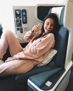 Starting off our Monday with an iced coffee and the layered perfectly on (p., we are OBSESSED with how she… Kelsey Merritt, Victoria Secret Fashion Show, Filipina, American, Celebrities, Model, Instagram, Style, Iced Coffee
