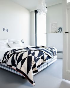 loving black and white quilts lately