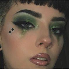 Edgy Makeup, Grunge Makeup, Makeup Goals, Makeup Inspo, Makeup Inspiration, Makeup Style, Gothic Eye Makeup, Makeup 101, Asian Makeup