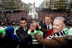 De KNVB kijkt al met angst en beven uit naar de organisatie rond de Johan Cruijff Schaal, als blijkt dat Ajax in staat is PSV achter zich te houden in de strijd om de landstitel. In dat geval komen bekerwinnaar Feyenoord en Ajax in de ArenA tegenover elkaar te staan, waarbij er evenveel kaarten naar Feyenoord als Ajax zouden moeten gaan.
