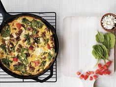 Seasonal Breakfast Frittata Recipe - Eat Healthy - Natural Home & Garden *would replace the heavy cream with milk but looks yummy! Cookbook Recipes, Gourmet Recipes, Real Food Recipes, Healthy Recipes, Yummy Food, Tajin Recipes, Breakfast Frittata, Breakfast Specials, Cast Iron Recipes