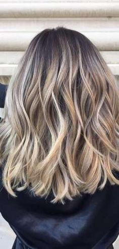 Transformation Tuesday: Reverse Balayage Color Correction (Mane Interest) - Hair and Hair Reverse Balayage, Hair Color Balayage, Blonde Color, Bronde Balayage, How To Balayage, Bayalage Bob, Blonde Bayalage Hair, Reverse Ombre Hair, Blonde Foils