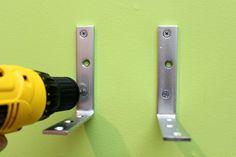 Secure L-držiaky so skrutkami