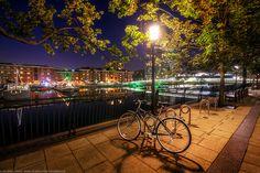 Docks at Canary Wharf, London, England
