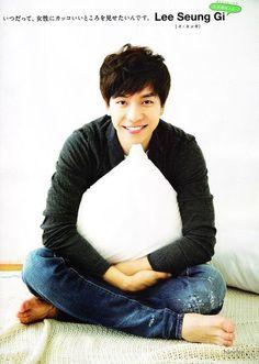 lee seung gi--OMG! that SMILE >;D