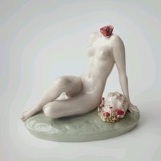 Moscow Artist Oleg Dou Transforms Flesh into Porcelain Contemporary Ceramics, Contemporary Art, Creepy Dolls, Creepy Art, Urban Art, Installation Art, Ceramic Art, Bunt, New Art