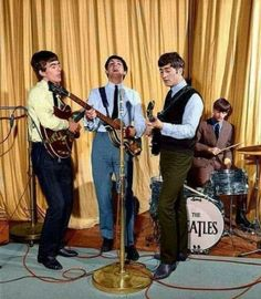 The Beatles - b&w colorized photo John Lennon Paul Mccartney, Beatles Photos, Recorder Music, The Fab Four, Ringo Starr, George Harrison, Popular Music, Jimi Hendrix, Great Bands