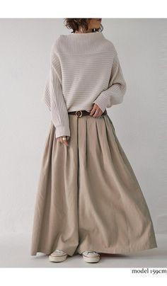 Japanese Minimalist Fashion, Minimal Fashion, Fashion Pants, Fashion Outfits, Womens Fashion, Fashion Trends, Basic Style, My Style, Chic Winter Outfits
