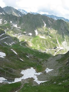 Transfagarasan, beautiful place in Romania Oh The Places You'll Go, Places To Travel, Places To Visit, Travel Destinations, Beautiful World, Beautiful Places, Visit Romania, Romania Travel, Bucharest Romania